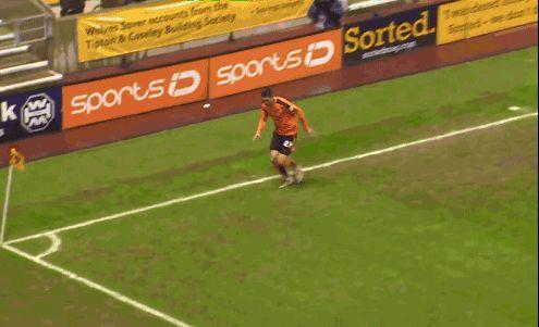 Cuando no sabes celebrar un gol
