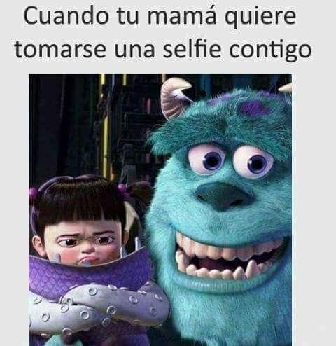 Cuando tu madre quiere sacarse una selfie contigo