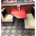 Una mesa para tres