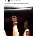 Tan chiquitos sus pies